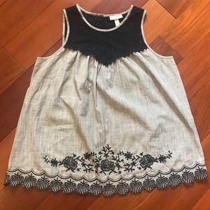 Liz Lange Crochet Maternity top